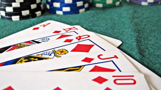 Come giocare a Poker online gratis con amici