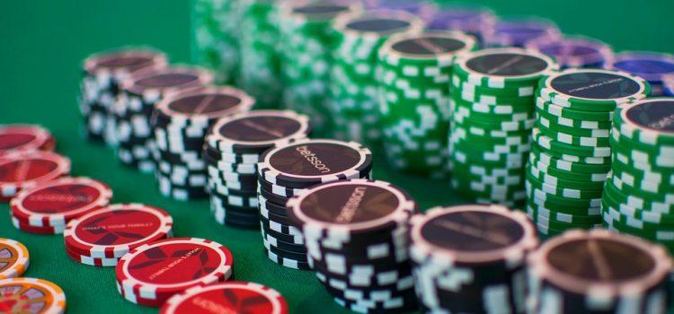 Cosa vuol dire e come funziona un freeroll di poker online?